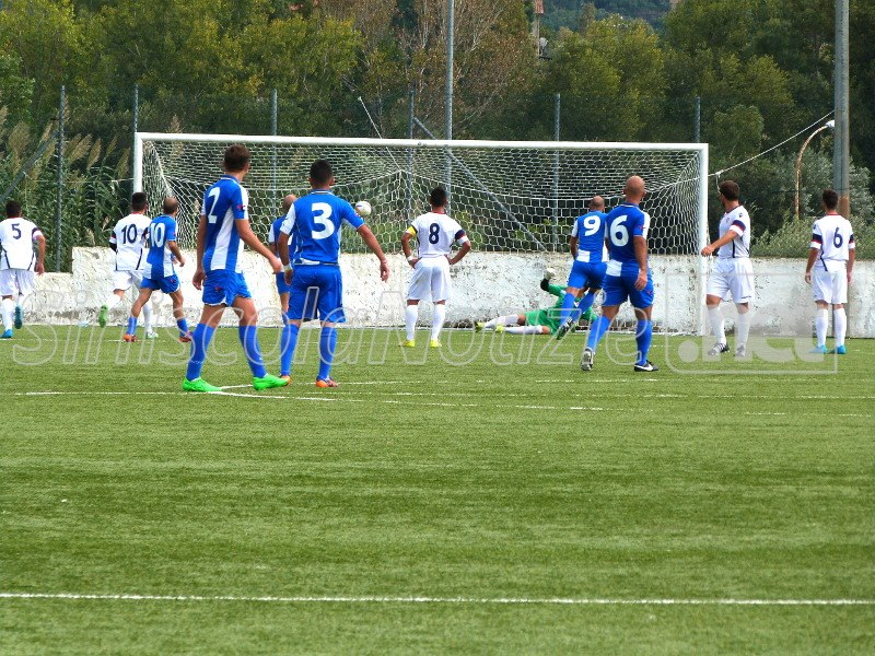 Il gol di Cadoni (Sporting)
