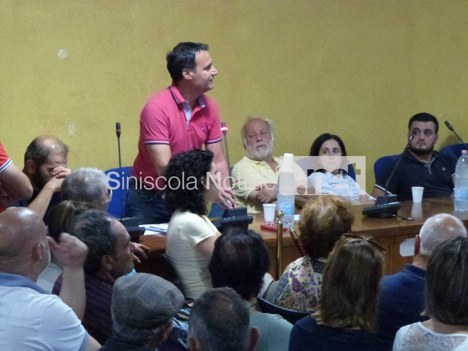 Nino Fronteddu durante il Consiglio comunale del 22 giugno